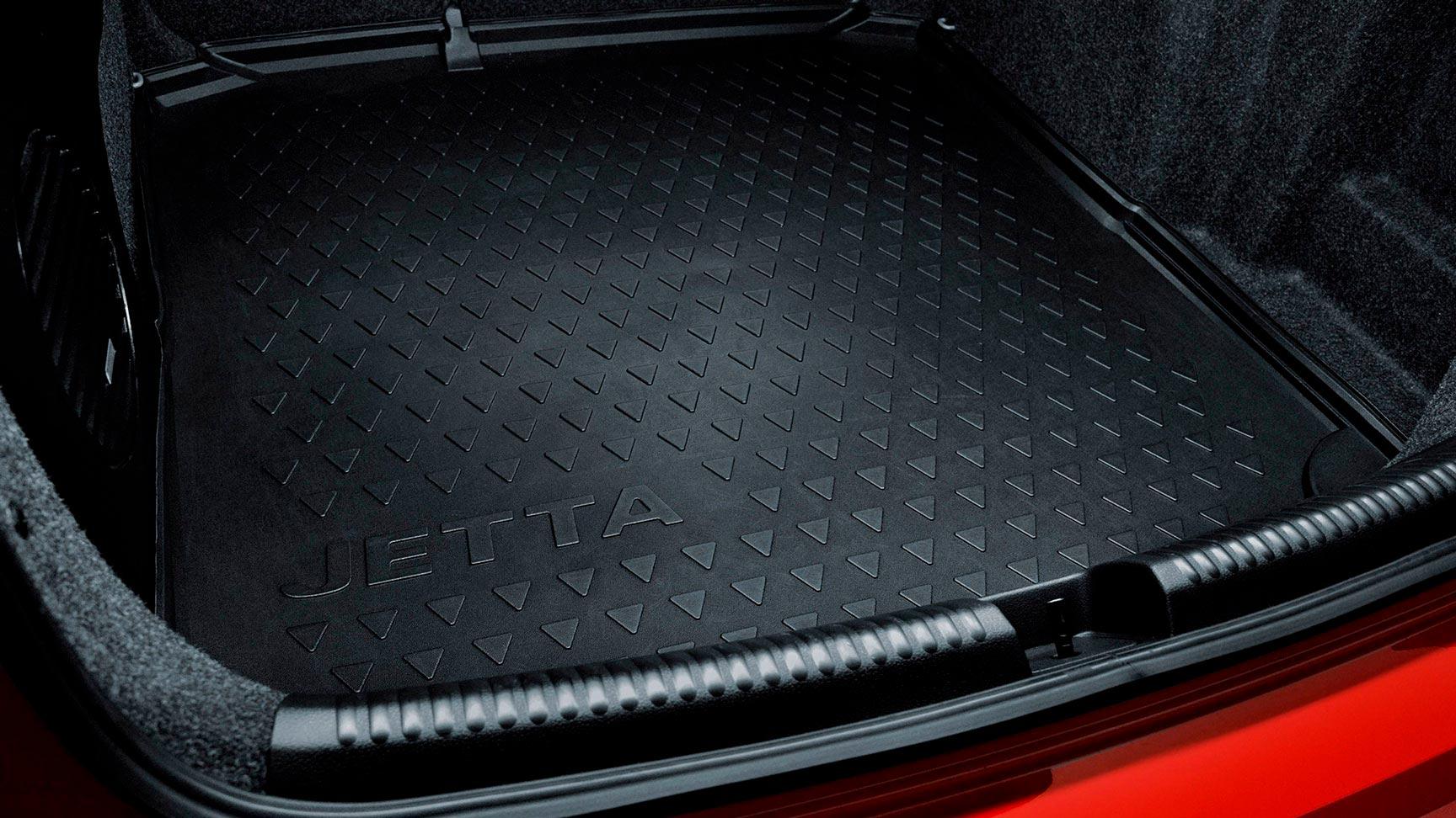 Tapete de cajuela para Jetta A6 Volkswagen original hecho con material robusto y ligero.